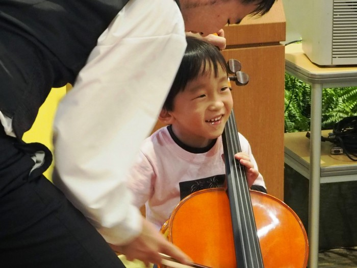 楽器体験の様子